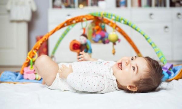 Kako zabaviti vrlo malu bebu_5