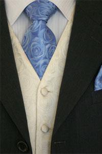 kravata-sa-cvjetnim-uzorkom.jpg