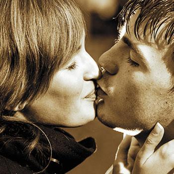 Muškarci stavljaju ljubav ispred seksa | COVERmagazin.com
